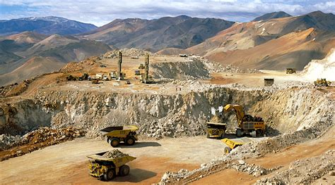 Barrick Gold brings in new director to regain strength in